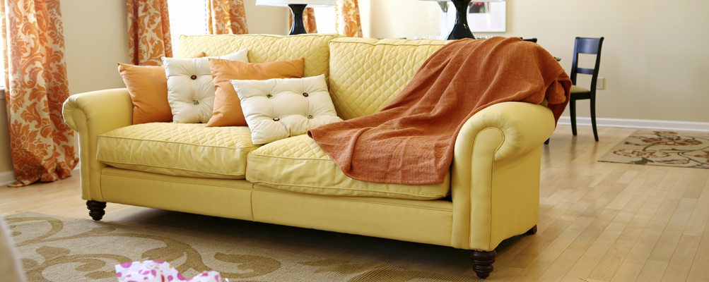 YellowCouchRoom1